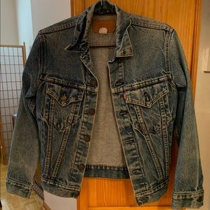 Women's fitted Levi's jean jacket